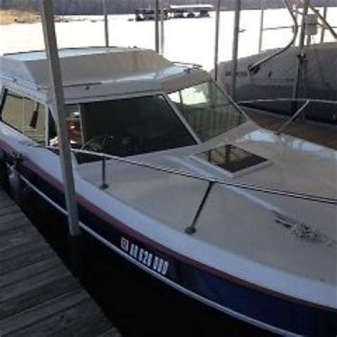1977 Reinell Cabin Cruiser by Reinell 25 Foot 1977 For Sale For 1 999 Boats From Usa