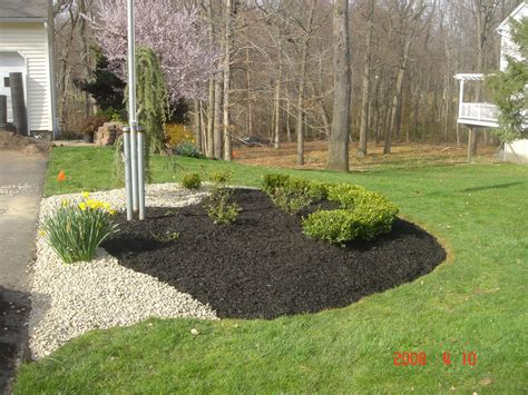 Landscaping Mulch Ideas Superb Landscaping With Rocks And Mulch 8 Landscaping Ideas With Rocks And Mulch Newsonair Org
