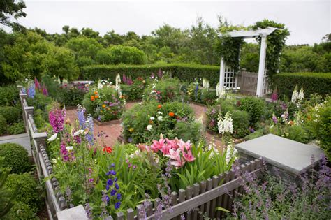 Home Window Design Pictures nantucket gardens gardening and landscaping by ernst land