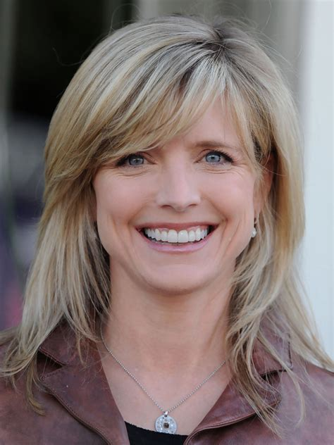 how to style hair like courtney thorne smith courtney thorne smith medium straight cut with bangs