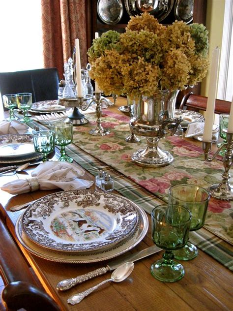 rubies tablescapes