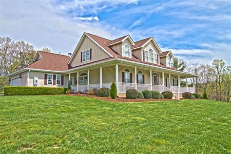 Pilot Va Farm House For Sale Perfect For Horses 3600 Old Sourwood Road Pilot
