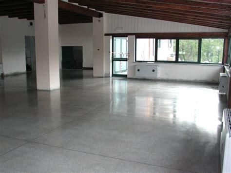 pavimento in calcestruzzo pavimenti cemento levigato reggio emilia parma