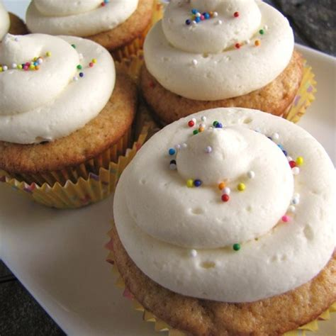carbohydrates 1 cup confectioners sugar and almost professional buttercream icing yum taste