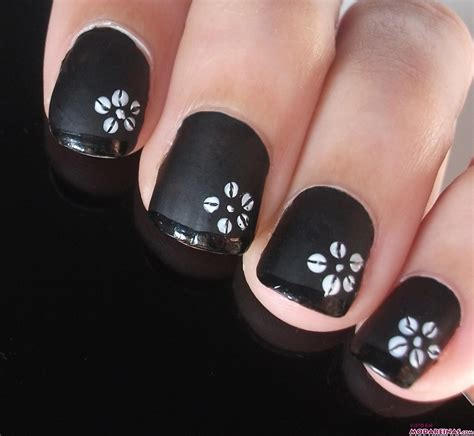 imagenes y videos de uñas pintadas manicura donde el blanco es protagonista