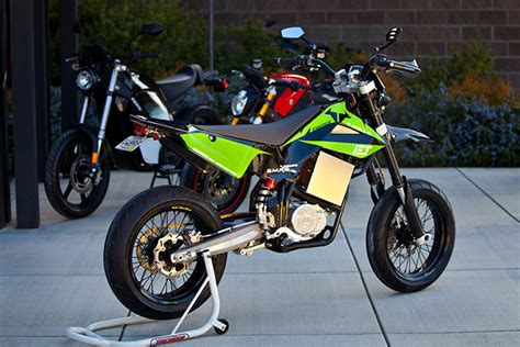 street legal motocross bikes brammo gets dirty with six speeds wired