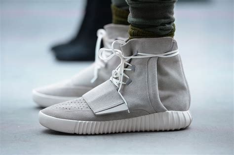 kanye west s yeezy boost named shoe of the year 360nobs