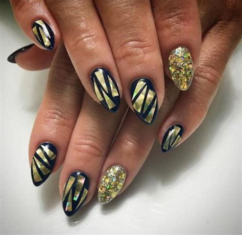 Manucure Pointu by La D 233 Co Nail Holographique En 62 Images Inspiratrices