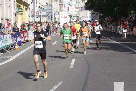 psd bank erfurt lucas hermann gewinnt mitteldeutschen marathon
