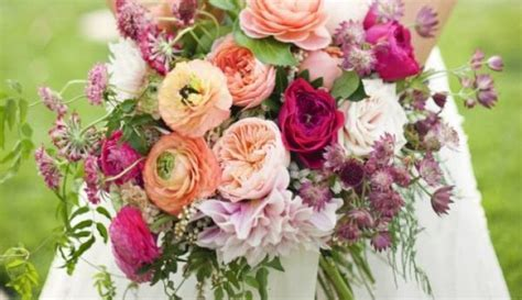 Confetti's guide to the 13 most popular wedding flower