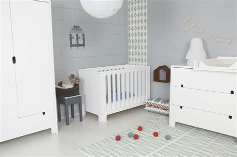 chambre enfant grise photo ambiance chambre b 233 b 233 gris et violet