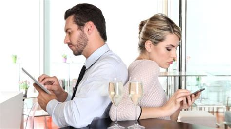 ufficio sta fastweb phubbing la smartphone mania mette in crisi la coppia