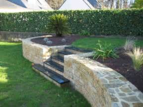 cr 233 ation d un mur en pierres s 232 ches et plantation d une