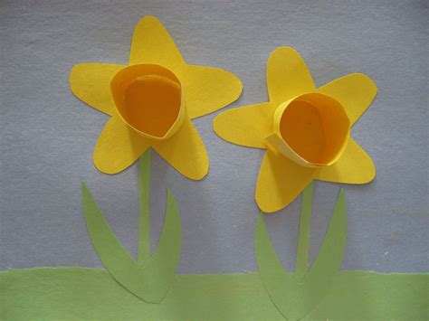 Paper Daffodils - kiddie crafts 365 crafts for page 2