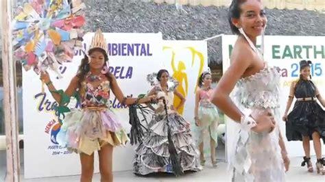 trajes de indio de material de desecho miss earth oaxaca 2015 pasarela vestido reciclado youtube
