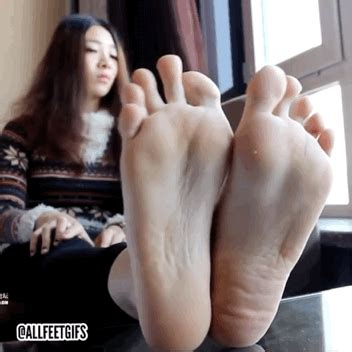 asian footsie with www asian toe wiggle and soles www enjoysoles foot