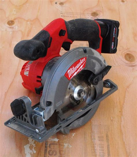 milwaukee  fuel circular  tools   trade