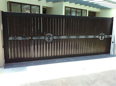 nursing home gate design front home iron gate design for house in pakistan pictures