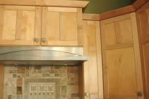 Shaker Doors For Kitchen Cabinets Kitchen Cabinet Endearing Pale Brown Color Maple Shaker