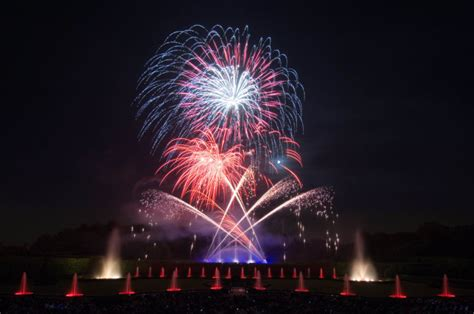 Longwood Gardens Fireworks by Fireworks And Fountains To Light Up Longwood Gardens
