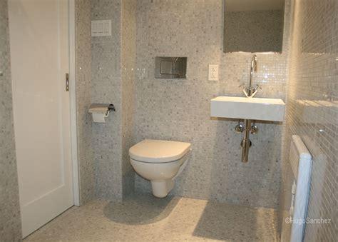 Curbless mosaic shower   Céramiques Hugo Sanchez Inc