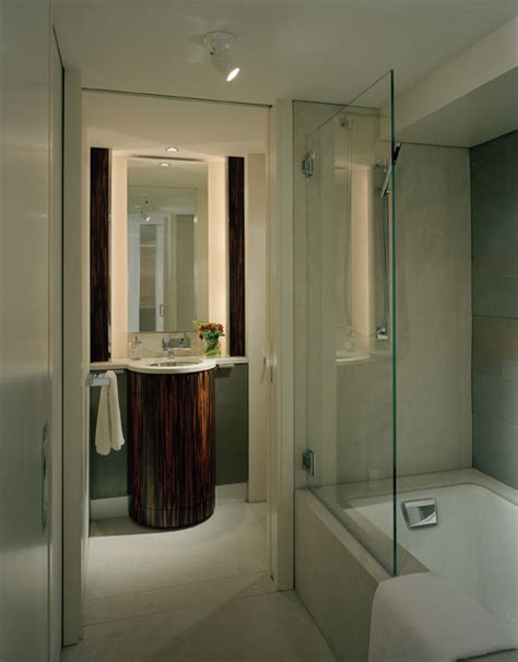 Shields Bathtub by Bath Tub Shield Screens Pivoting Bathtub Doors