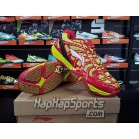 Sepatu Badminton Lining Turbo sepatu badminton lining turbo spider merah kuning size 40