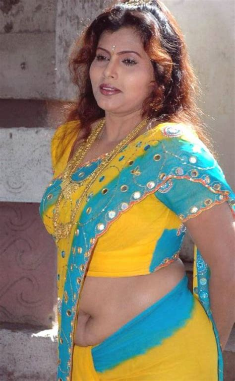 hot indian aunties photos saree pics mallu aunties picture hot indian aunties photos saree pics mallu aunty pics