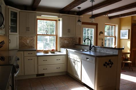 maple creek kitchen cabinets schuler sugar creek maple cabinets