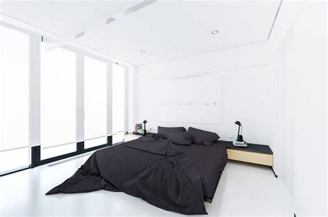 black and white minimalist bedroom 40 serenely minimalist bedrooms to help you embrace simple