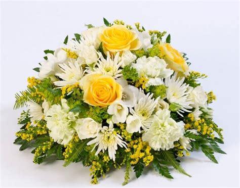 imagenes de flores para difuntos centro de flores funebre centro de flores variadas para