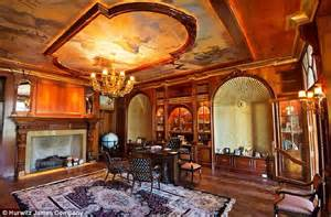 Bargain Chandeliers America S Largest Available Mansion That Has Guitar