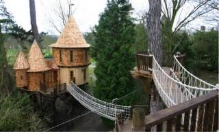 Treehouse Island Zipline - top tree houses the world s 15 most amazing tree houses