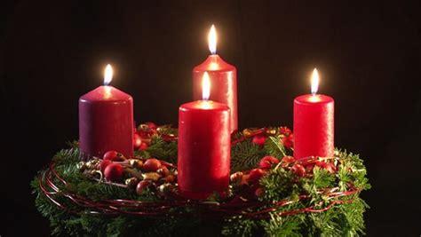 adventskranz seit wann adventskranz mit 4 kerzen seit wann frohe weihnachten in