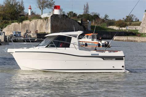 motor boat range pilothouse boat ocquetau ocqueteau sport boat range