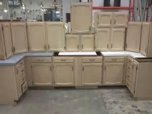 whitewashing oak kitchen cabinets whitewashing kitchen cupboards kitchen design ideas