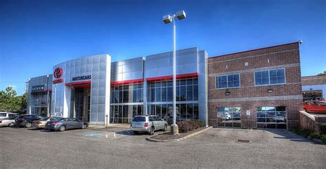 motorcars toyota dealer in cleveland serving lakewood and parma oh