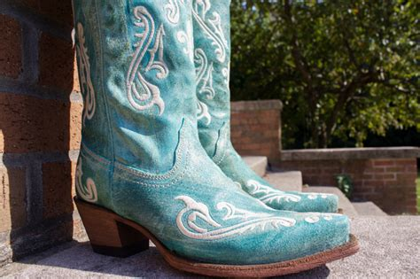 Country Outfitters Boots Giveaway - corral boots a giveaway from country outfitter