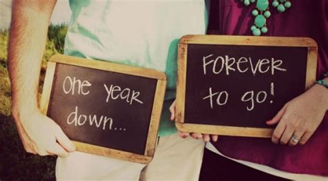 1st year wedding anniversary gifts for her best tips on 1st anniversary gift ideas styles at life