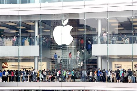 apple hongkong first hong kong apple store draws massive crowd on opening day