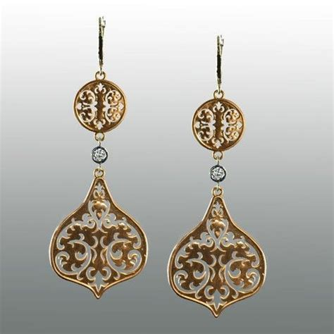 wallpaper of gold earring 25 best images about william morris on pinterest design