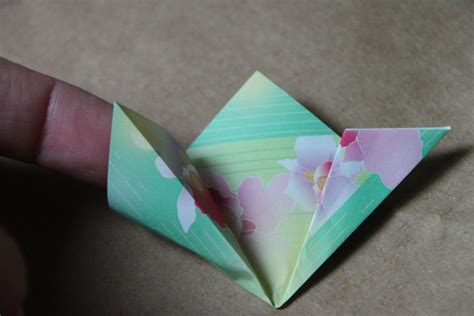 Paper Folding Origami Flowers - step by step origami flower folding guide hgtv