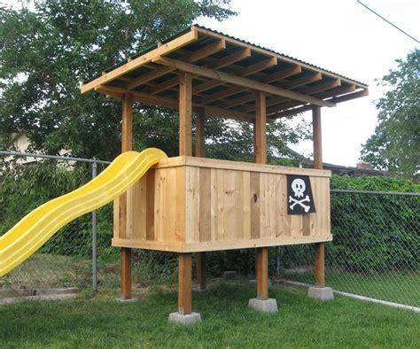 Backyard Fort Ideas by Best 25 Backyard Fort Ideas On Garden