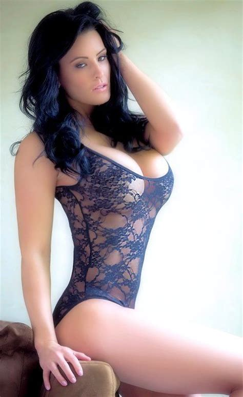 curvy brunette brunettes babes in lingerie and lingerie on pinterest