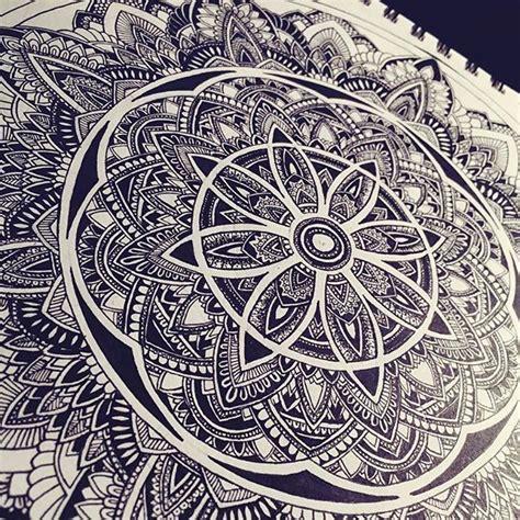 mandala tattoo artist edinburgh things i doodle mandala mandalas