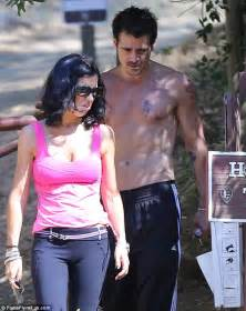 colin farrell shows off his toned and tattooed torso as he