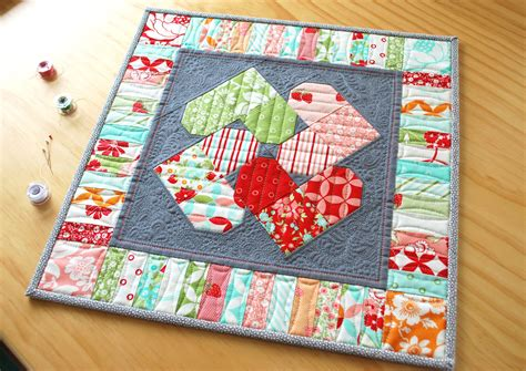 New Quilt Designs by S Quilt Designs Spin Mini Quilt A New Pattern