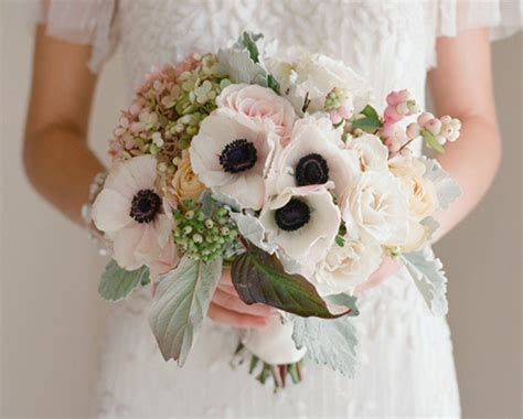 anemone bouquet 12 gorgeous anemone bouquets wedding inspiration 100