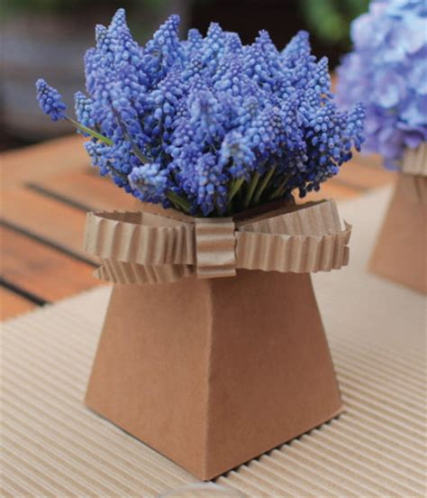 Cardboard Flower Vases by Placecards In Blume The