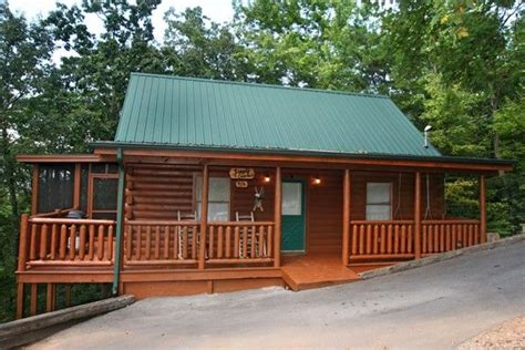 Sevier County Cabin Rentals here we go simple comforts cabin rental in sevier county mountain cabin cabin